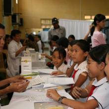HPV immunization in Vietnam. Image from Photoshare
