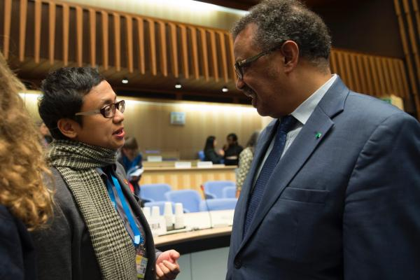 DY Suharya, Asia Pacific Regional Director of ADI, speaks with Dr Tedros at 2018 mhGAP meeting at WHO Headquarters, Geneva